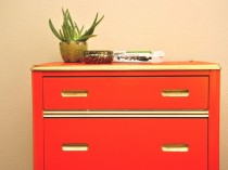 Vintage Tomato Red 3-Drawer Dresser